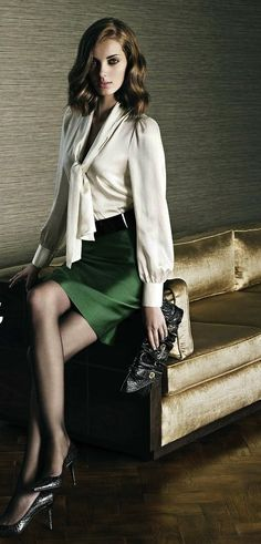 Green satin skirt, white blouse, wide black belt and black high heels Office Fashion, Work Fashion, Fashion Fashion, Satin Bluse, Bow Blouse, Cream Blouse, Satin Skirt, Office Looks, White Skirts
