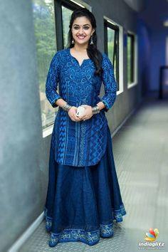 Keerthy Suresh Beautiful Bollywood Actress, Most Beautiful Indian Actress, Beautiful Asian Girls, Girl Fashion, Fashion Dresses, Kurta Designs Women, Party Wear Dresses, Indian Beauty Saree, Indian Designer Wear
