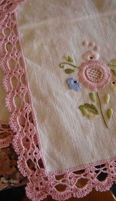 Crochet Border Patterns, Crochet Lace Edging, Filet Crochet, Crochet Doilies, Crochet Flowers, Crochet Stitches, Knit Crochet, Hand Embroidery Designs, Embroidery Patterns