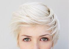 short hair platinum blonde pixie cut. so good