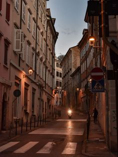Italy Street, Living In Italy, Northern Italy, Trieste, Rome Italy, City Streets, Italy Travel, Places To Travel, Beige Aesthetic