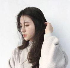 Resultado de imagem para coreanas cabelo preto