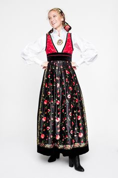 Folk Costume, Costumes, Fashion Dresses, Traditional, How To Wear, Vintage, Instagram, Folk Art, Design