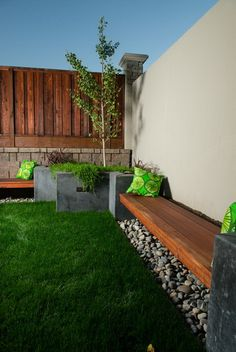 Built In Wooden Wall Seating with Cushions in Modern Patio Design Ideas Patio…