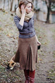 Blue and brown / Vintage high waisted wool skirt / via http://outcamethesun.tumblr.com/post/34168945439