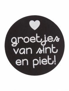 Leuke Sinterklaassticker ' Groetjes van Sint en Piet'. Doorsnede: 4,5 cm