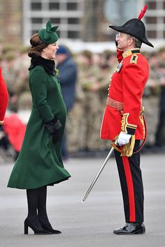 Kate Middleton Wears Green Coat For St. Patrick's Day & Shows Baby Bump – Hollywood Life