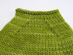 Have you noticed that looks neater than ssk? Try this little trick to see if it neatens up your ssk stitches a bit. The traditional ssk: slip as if to knit, slip as if to knit. Place your lef. Knitting Help, Knitting Stitches, Knitting Yarn, Hand Knitting, Knitting Pullover, Knitting Patterns, Crochet Patterns, Cowl Patterns, Crafts
