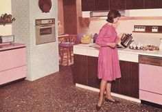 I want her pink dishwasher and her pink washer/dryer combo. I covet.