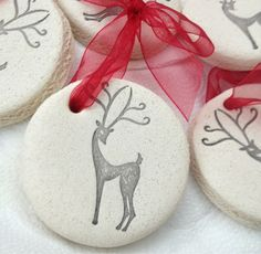 Nothing Fancy: Salt dough Christmas ornaments. Clay Christmas Decorations, Diy Christmas Ornaments, Homemade Christmas, Christmas Projects, Holiday Crafts, Salt Dough Crafts, Salt Dough Ornaments, Clay Ornaments, Homemade Ornaments