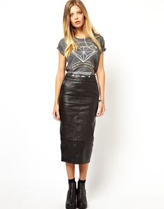 A t-shirt tucked into a leather pencil skirt | Rockin' Leather ...