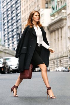 Get The Chic Look – Fashion Style Magazine - Page 3 Business Casual Dresses, Business Outfit, Business Fashion, Business Suits, Business Women, Best Workwear, Workwear Fashion, Womens Fashion For Work, Work Fashion