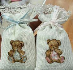 Cat Cross Stitches, Cross Stitch Baby, Cross Stitch Flowers, Embroidery Motifs, Applique Embroidery Designs, Cross Stitch Embroidery, Cross Stitch Designs, Cross Stitch Patterns, Lavender Crafts
