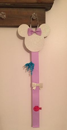 Minnie mouse hair bow clip holder hanging by CreationsbySAHM