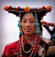 Tibet |  Wonderful Regional Headdress and Ornaments | © BetterWorld2010