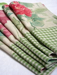 rose and gingham napkins,  I love old rose pattern items
