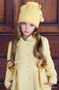 Beautiful little girls outfit. Little Girl Fashion, Fashion Kids, Beautiful Children, Beautiful Babies, Outfits Niños, Yellow Outfits, Look Girl, Outfit Trends, Little Fashionista