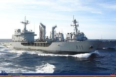 """Petrolero de Flota """"Marqués de la Ensenada"""" - Petroleando con el destructor  """"Arleigh Burke"""""""