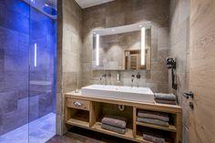 Kaiserlodge | Am Berg. Am See. | Wohnen & Appartements Naturmaterialien | Wilder Kaiser | Scheffau Wilder Kaiser, Double Vanity, Berg, Bathroom, Homes, Natural Materials, Washroom, Bath Room, Double Sink Vanity
