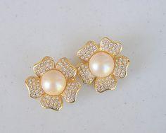 Vintage Joan Rivers Beautiful Flower Earrings by frenchhen1 on Etsy, $9.00