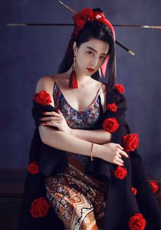 The Beautiful Chinese Actress Fan Bingbing Fan Bingbing, China Girl, Beautiful Asian Women, Looks Cool, Asian Style, Traditional Dresses, Asian Fashion, Asian Woman, Beauty Women