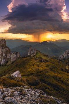 Beauty, sunrise, sunset, storm clouds, cloudy, rocks, mountains, sunbeams, beautiful, gorgeous, beauty of Nature