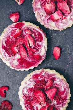 (Vegan) Strawberry Swirl Cheesecakes