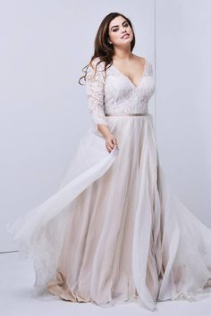 22 Designer Plus-Size Wedding Dresses That Prove Your Body is Perfect As-Is — Catalyst Wedding Co. - Plus-size wedding dress Shiloh Wedding Dress by Watters Lace Wedding Dress, Perfect Wedding Dress, Dream Wedding Dresses, Lace Maxi, Curvy Wedding Dresses, Vintage Wedding Dresses, Full Figure Wedding Dress, Plus Size Brides, Plus Size Wedding Gowns