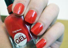 Review of Sally Hansen Miracle Gel Red Eye Nail Polish - long lasting nail polish. Beautiful red colour, perfect for Christmas nail art!