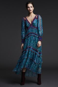 Tadashi Shoji Pre-Fall 2017 Collection Photos - Vogue