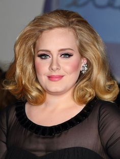 #Adele does what with her hair?! Click through for her beauty secrets.