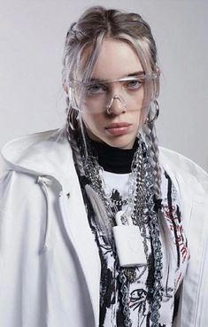 Billie Eilish Queen ( – The World