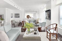 Manhattan Apartment by Vicente Wolf