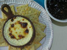Crema de queso de cabra con mermelada de damasco y balsámico / Goat cheese spread with apricot and balsamic compote