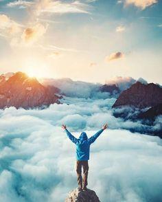Disfruta con lo básico ------------- Un día te levantas y dices: qué hice para merecer tantos regalos?  Algunos la vida me los quitó pero sigo conservando muchos y muy valiosos. Con estos solo puedo hacer una cosa cuidarlos mimarlos... para que se queden conmigo hasta que el mundo se lleve mi último aliento ------------- Fot.: SDijkstra #vida #life #gracias #thanks #thankyou #cielo #sky #atardecer #sunset #libertad #freedom #nubes #clouds #naturaleza #nature #simple