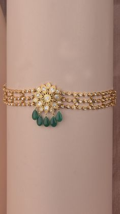 Handcrafted polki choker with vibrant drops of green Gold Bangles Design, Gold Jewellery Design, Bridal Jewellery, Jewelry Design Earrings, Necklace Designs, Antique Jewellery Designs, Indian Jewelry Sets, Gold Jewelry Simple, Gold Necklace