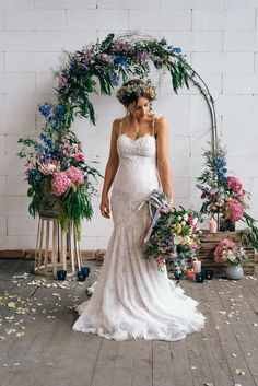 Industrial Wedding Inspiration With Pastels - Polka Dot Bride | Photo by Arianna Harry https://www.ariannaharry.com/