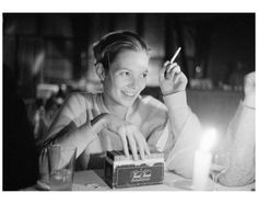 Arthur Elgort - Kate Moss playing Trivial Pursuit For Sale at 1stdibs