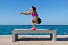 Tonificare glutei e gambe in 30 giorni. La sfida di Melarossa a base di squat che ti aiuterà a rassodare gambe e glutei in poco tempo.