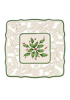 Lenox Holiday Pierced Trivet,Ivory W Crafted of porcelain and accented with hand painting Dishwasher Safe and Microwave Safe Made in China Backed by the Lenox Lifetime Breakage Replacement Program Christmas Dinnerware, Christmas Dishes, Collections Ect, Elegant Christmas, Serveware, Decorative Plates, How To Memorize Things, Porcelain, Hand Painted