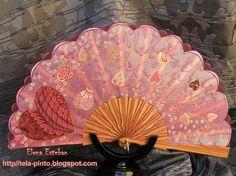 Pais de seda pintada a mano. Madera palo rosa.