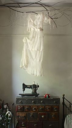 my big creative year : ghost gown Classy Halloween, Halloween 2018, Ann Wood, Sewing Room Organization, Autumn Crafts, Vintage Storage, You're Awesome, Vintage Decor, Halloween Decorations