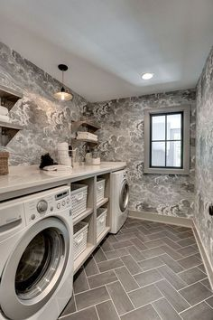 These small laundry room ideas will help you be more efficient at this everyday chore. Banish washday blues with our small laundry room ideas that optimize every inch of available space. Laundry Room Tile, Room Tiles, Laundry Room Design, Laundry Room Wallpaper, Laundry Bathroom Combo, Unfinished Basement Laundry, Laundry Room Folding Table, Wallpaper Accent Wall Bathroom, Laundry Room Lighting