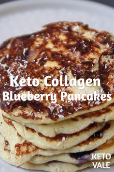 Keto Collagen Protein Blueberry Pancakes Low Carb Recipe for ketogenic diet These delicious and nutritious keto pancakes with blueberries and collagen will be a perfect low-carb breakfast. Ketogenic Diet Meal Plan, Ketogenic Recipes, Low Carb Recipes, Protein Recipes, Bread Recipes, Blueberry Pancakes, Keto Pancakes, Low Carb Breakfast, Breakfast Recipes
