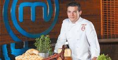 El talento de nuestros ciudadanos: Marca Talavera. Mención especial a Carlos Maldonado de Masterchef 3.  #Talavera #MarcaTalavera Chefs, Chef Jackets, Blog, Star