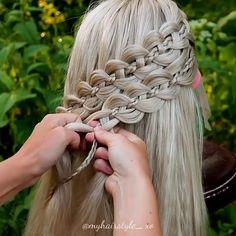 Short Hair Makeup, Blonde Hair Makeup, Short Curly Hair, Wedding Hair And Makeup, Easy Hairstyle Video, Style Hairstyle, Wedding Hairstyle, Medium Hair Styles, Curly Hair Styles