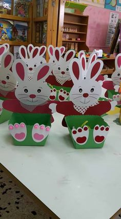 Winter Crafts For Toddlers Easter Crafts For Kids Easter Art Easter Eggs Circle Crafts Easter Bunny Decorations Basket Crafts Fish Crafts Crafts For Seniors Easter Art, Easter Crafts For Kids, Toddler Crafts, Bear Crafts, Bunny Crafts, Winter Crafts For Toddlers, Diy And Crafts, Paper Crafts, Easter Bunny Decorations