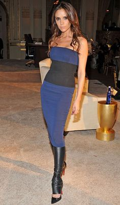 Pin for Later: How Victoria Beckham Went From Spice Girl to Style Icon Victoria Beckham Style Evolution She wore her own designs to an industry event in late Spice Girls, Estilo Fashion, Look Fashion, Celebrity Workout, Celebrity Style, Red Carpet Dresses, Blue Dresses, Style Victoria Beckham, Victoria Style
