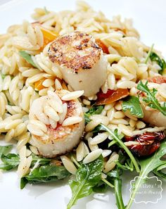 Orzo salad with seared scallops #orzo #pasta #scallops