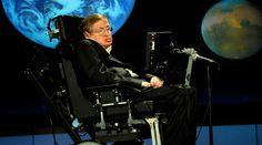 """""""¡Por favor, Señor, que Stephen esté vivo!"""", fue la plegaria desesperada que Jane Wilde expresó en voz baja en 1985, cuando le dijeron por teléfono que su esposo, el ahora famoso científico Stephen Hawking, debía ser desconectado del respirador luego de quedar en coma por una neumonía virulenta. https://www.aciprensa.com/noticias/la-fe-en-dios-salvo-la-vida-de-stephen-hawking-asegura-su-exesposa-22506/"""